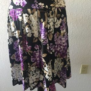 Whbm cute floral skirt Size 12